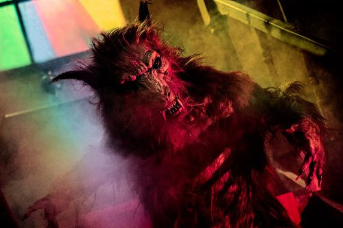 Stream It Or Skip It: 'A Werewolf in England' on VOD, a Howling Dud of a Cheapo Horror-Comedy
