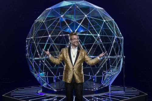 Stream It Or Skip It: 'The Crystal Maze' On Nickelodeon, Where Families Work Together To Solve Physical Challenges