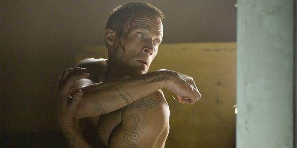 That Time Paul Bettany Punched Tom Hanks So Hard That He Farted While Filming A Scene