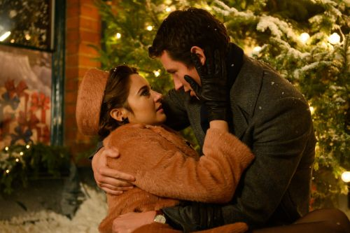 Shailene Woodley and Callum Turner Steam Up the Screen in Netflix's 'The Last Letter From Your Lover'