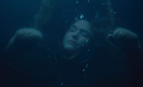 Kate Winslet Dons an Underwater Cape in New Avatar 2 Set Photo