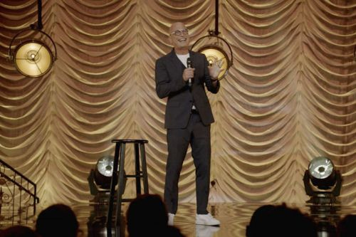 Stream It Or Skip It: 'Howie Mandel & Friends: Don't Sneeze On Me' On The CW, A Stand-Up Showcase Of, For And About The Pandemic