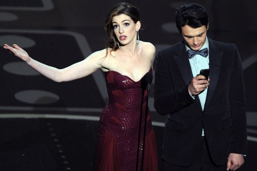"""James Franco Shot Down Anne Hathaway's Acting Advice During Infamous Oscars Telecast: """"Don't Tell Me How to Be Funny"""""""