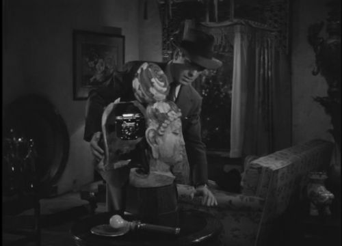 """Who installed a secret camera in the Buddha head statue in """"The Big Sleep?"""""""