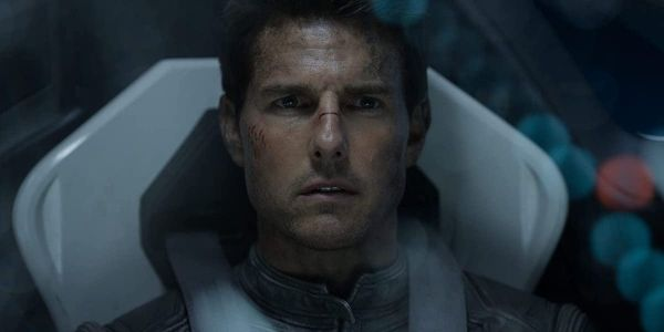 3 Reasons It's Going To Be Super Difficult When Tom Cruise Films A Movie In Space