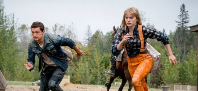 'Chaos Walking' Clip: Tom Holland and Daisy Ridley Are on the Run