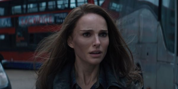 Thor: Love And Thunder's Natalie Portman Had An A+ Reaction To Chris Hemsworth's Latest Shirtless Picture