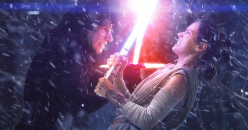 How Rey Beat Kylo Ren in The Force Awakens Officially