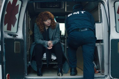 Amy Poehler and Natasha Lyonne's Dark Comedy 'Russian Doll' Gets Premiere Date at Netflix